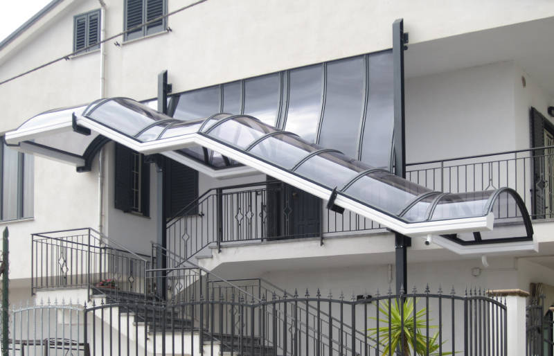 Coperture per scale interne ed esterne nuova tecnocoperture - Foto scale esterne ...